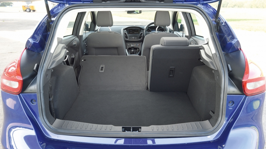 Ford Focus dimensions  BuyaCar