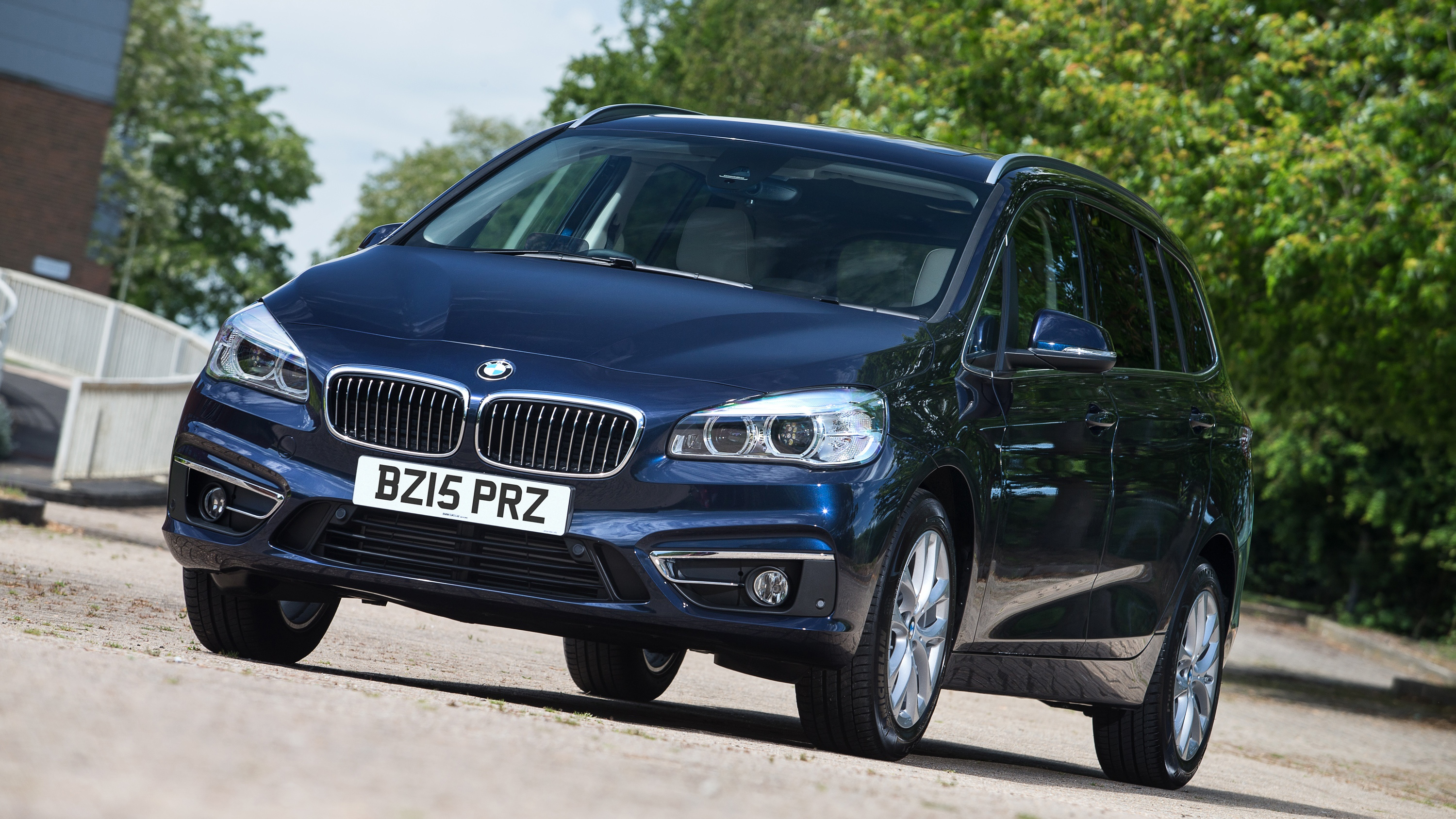 Bmw 220i gran tourer m sport package 2015 wallpapers and hd images - Bmw 2 Series Gran Tourer 2015 Present