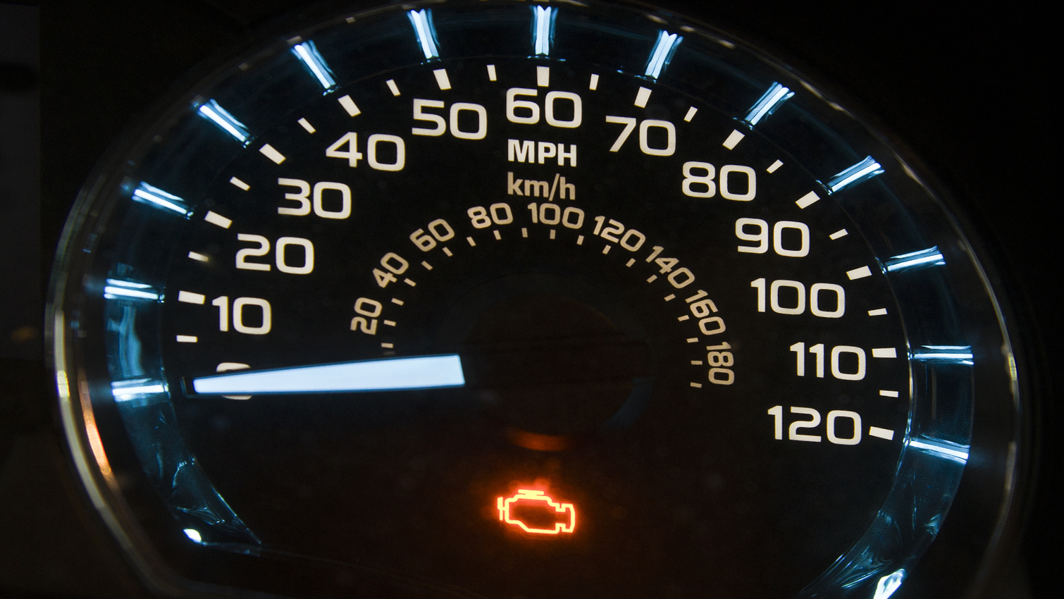 Engine management light: 10 reasons why check engine warning light