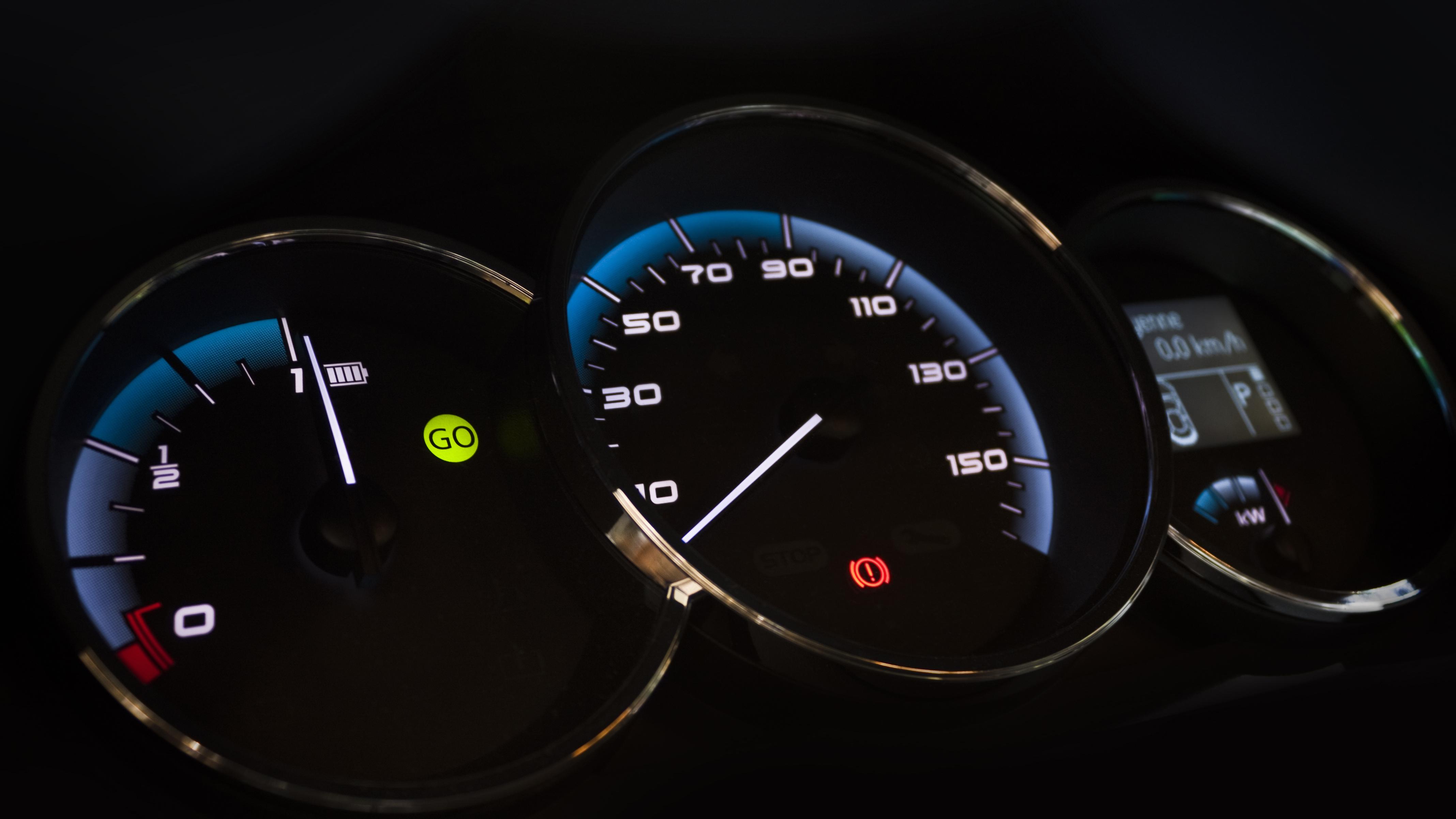 Car Dashboard Diagram | Electric Car Warning Lights Dashboard Symbols Explained Buyacar