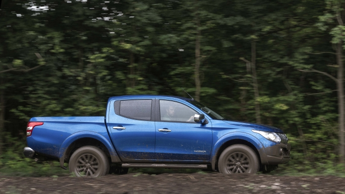 Mitsubishi L200 Review and Buying Guide: Best Deals and Prices | BuyaCar