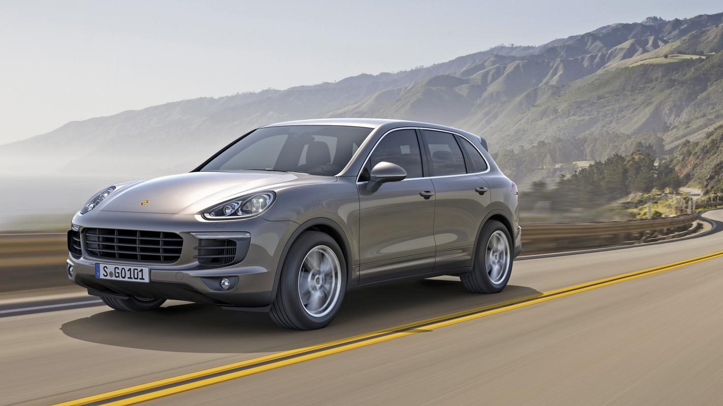 Porsche Cayenne front driving image