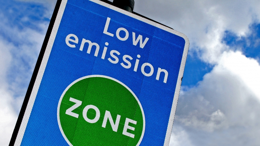 Low emissions zone sign